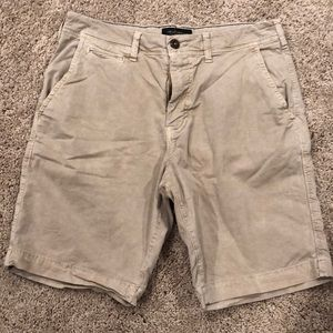 American Eagle shorts size 32